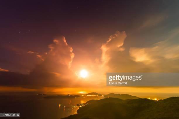 aerial view of island at dawn, virgin gorda, british virgin islands - islas de virgin gorda fotografías e imágenes de stock