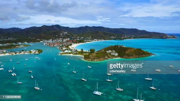 vista aérea de jolly harbour beach, antigua - isla de antigua fotografías e imágenes de stock