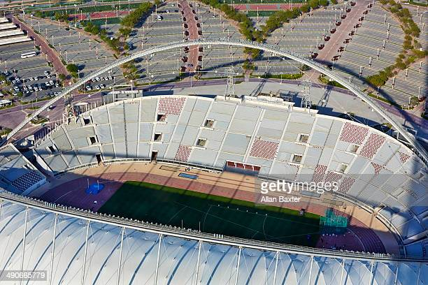 aerial view of khalifa international stadium - evento internacional de fútbol fotografías e imágenes de stock