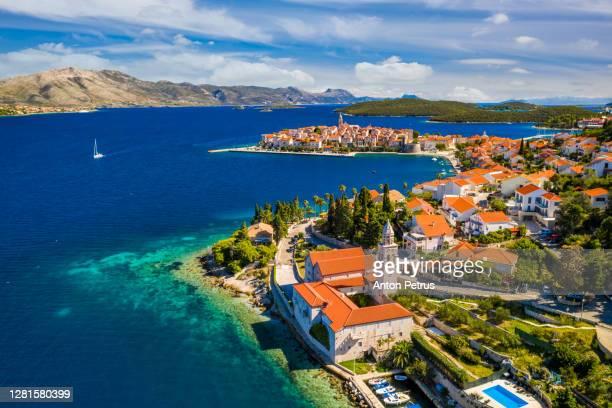 aerial view of korcula (korčula) town on korcula island, croatia - croacia fotografías e imágenes de stock