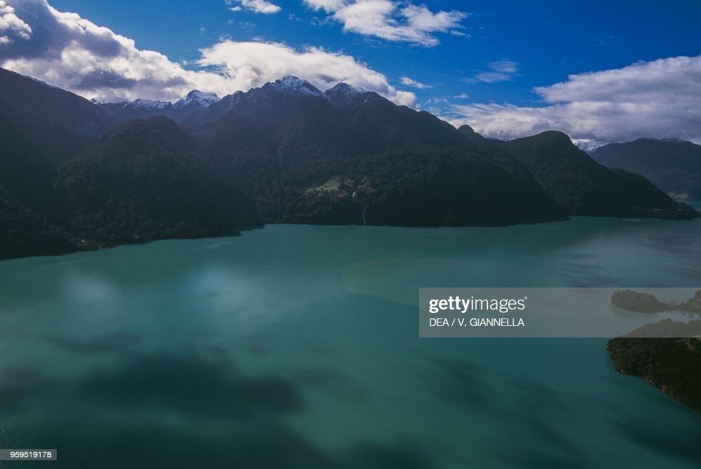 View of Lago Todos los Santos, Los Lagos Region : News Photo