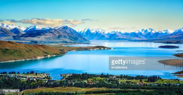 aerial view of lake tekapo, canterbury, new zealand - região de canterbury nova zelândia - fotografias e filmes do acervo