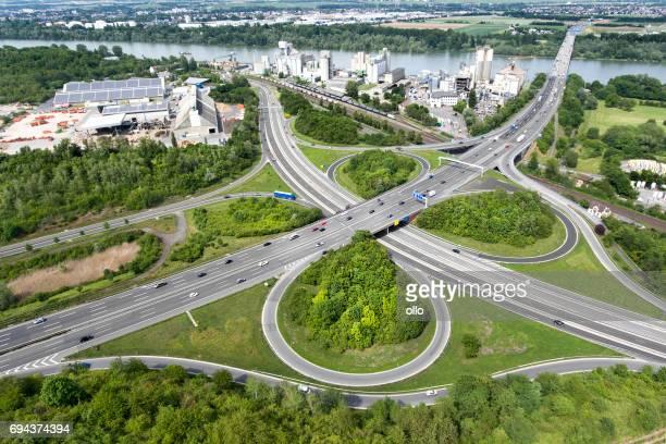 Luftaufnahme des großen Autobahnkreuz