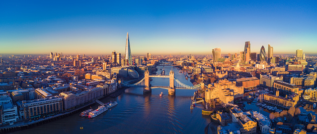 Aerial view of London and the River Thames 637710754