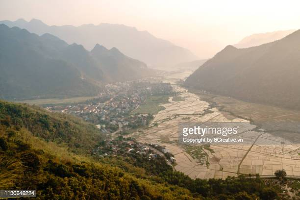 aerial view of mai chau valley in sunny afternoon, viewed from thung khe pass. moc chau, son la, vietnam - son la stock pictures, royalty-free photos & images