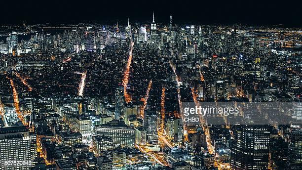 空から見たマンハッタン、ニューヨークの夜 - パークアベニュー ストックフォトと画像