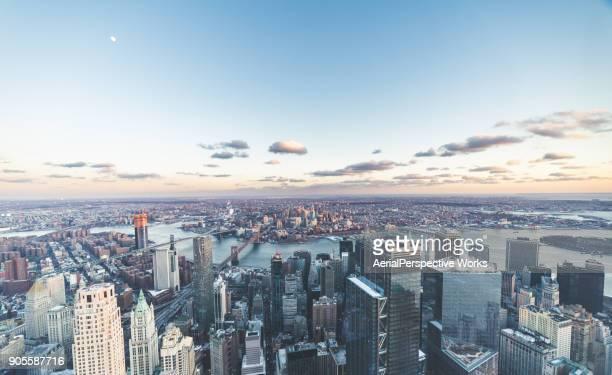 flygfoto över manhattan skyline - manhattan bildbanksfoton och bilder