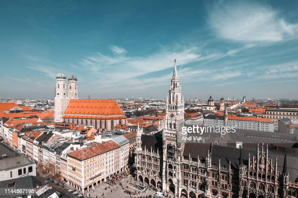 aerial view of marienplatz, munchen - new town hall munich stock pictures, royalty-free photos & images