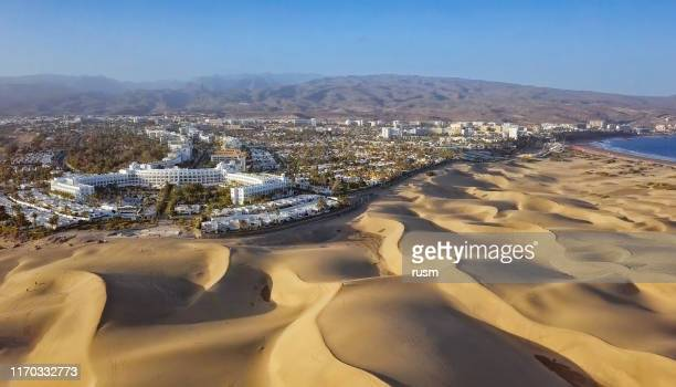 aerial view of maspalomas sand dunes and resort, gran canaria, canary islands, spain - grand canary stock pictures, royalty-free photos & images