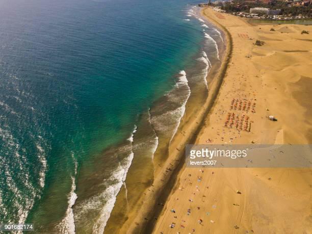 maspolomas、グラン カナリア島、スペインの空撮。 - オクトコプター ストックフォトと画像