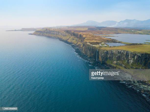 aerial view of mealt falls and kilt rock, isle of skye, scottland - western isles stock pictures, royalty-free photos & images