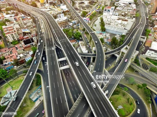 Vue aérienne de la ville de Mexico, autoroutes