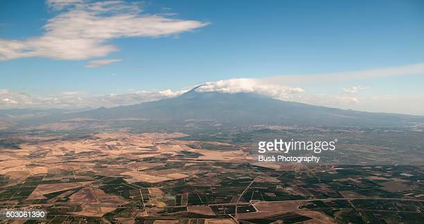aerial view of mount etna, the tallest active volcano in europe, sicily, italy - mt. etna - fotografias e filmes do acervo