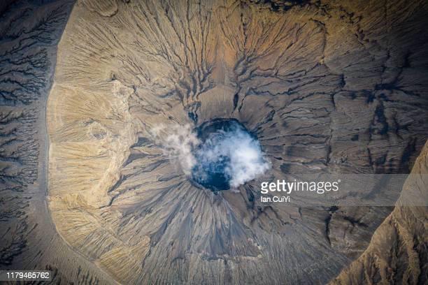 aerial view of mount semeru volcano, mount bromo, east java, indonesia - cratere vulcano foto e immagini stock