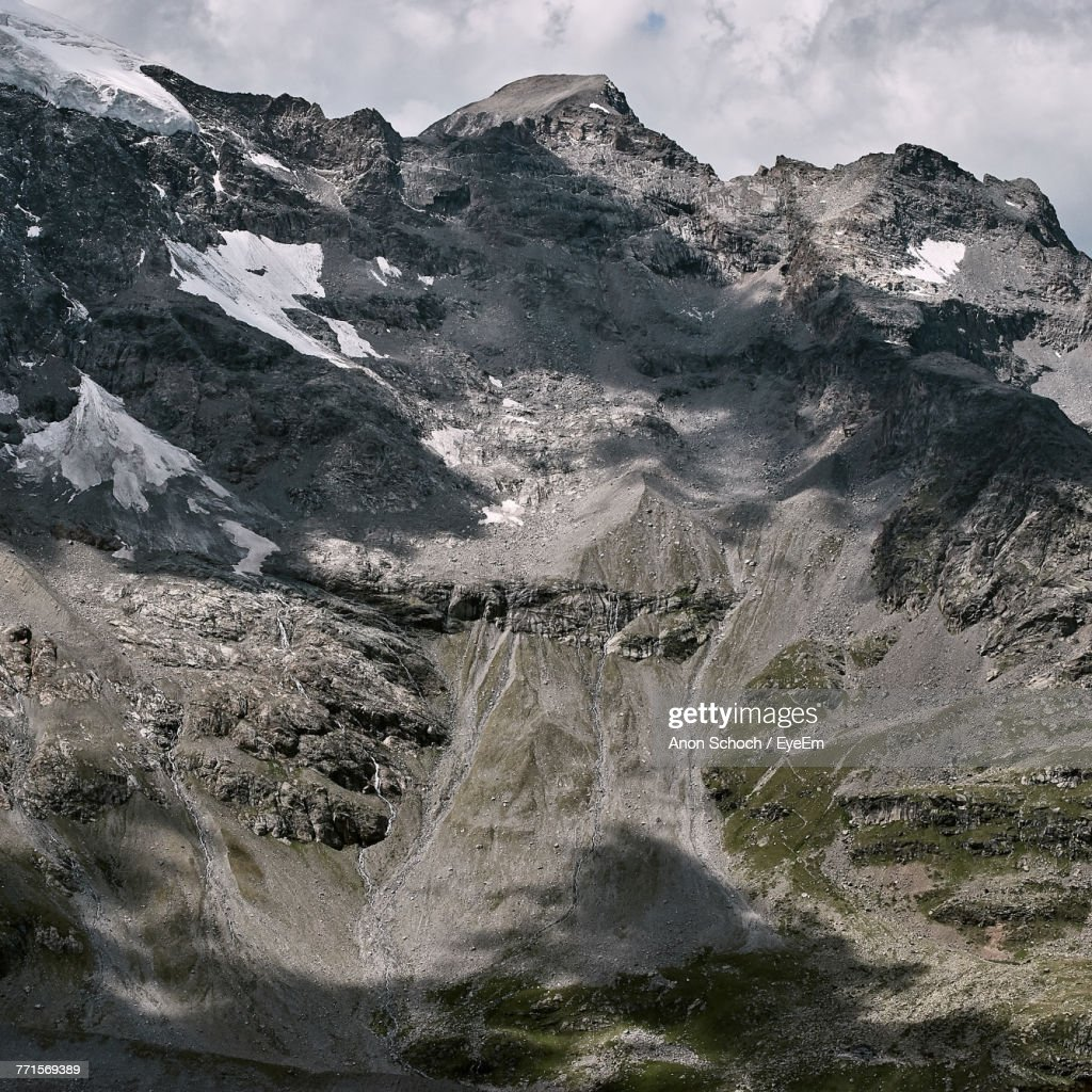 Aerial View Of Mountain Against Sky : Foto de stock