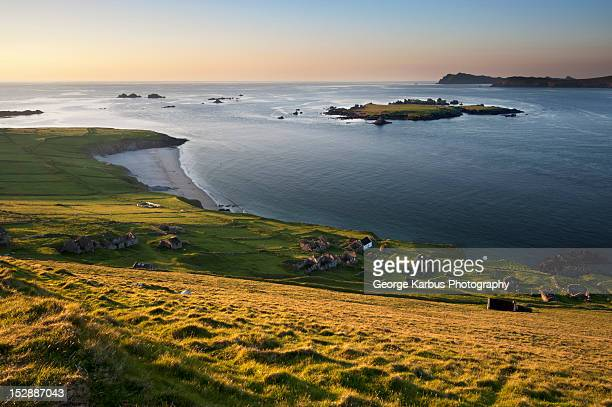 aerial view of mountains and still lake - great blasket island stock pictures, royalty-free photos & images
