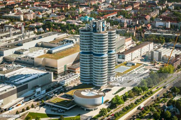 vista aérea de munich con sede bmw - sede central fotografías e imágenes de stock