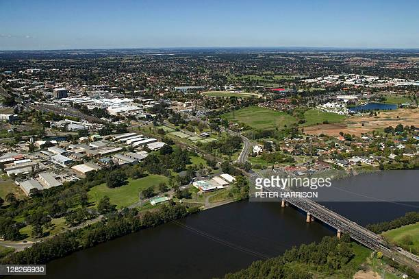 aerial view of nepean river, penrith, new south wales, australia - bundesstaat new south wales stock-fotos und bilder