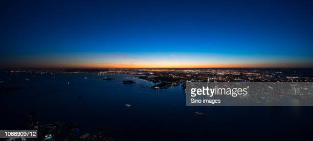 aerial view of new york at dusk, usa - image stockfoto's en -beelden