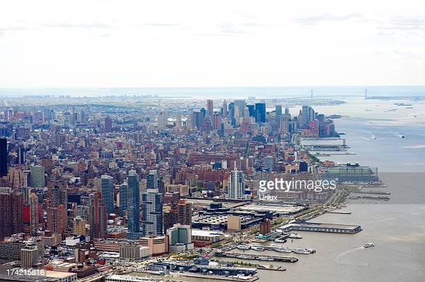 Vista aérea de la ciudad de Nueva York y al río Hudson.
