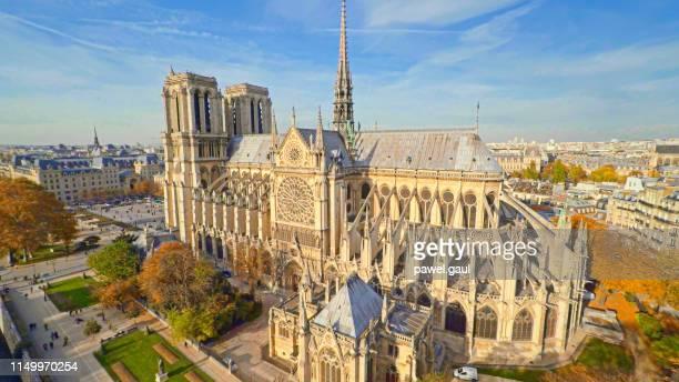 パリ、フランスのノートルダム大聖堂の空中風景 - パリ ノートルダム大聖堂 ストックフォトと画像