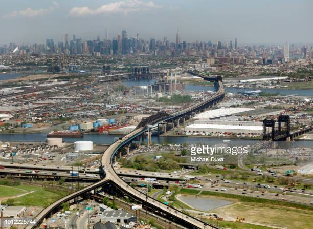 aerial view of nyc skyline with bridge highway - newark new jersey stock pictures, royalty-free photos & images