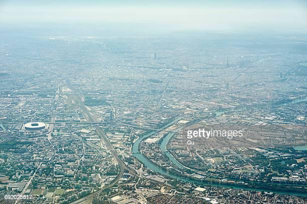 aerial view of paris, france - etalement urbain photos et images de collection