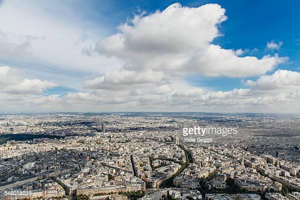 aerial view of paris from the top of eiffel tower - ile de france photos et images de collection