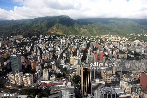 Aerial view of populous neighbourhoods in eastern Caracas 05 January 2008 AFP PHOTO/Juan BARRETO