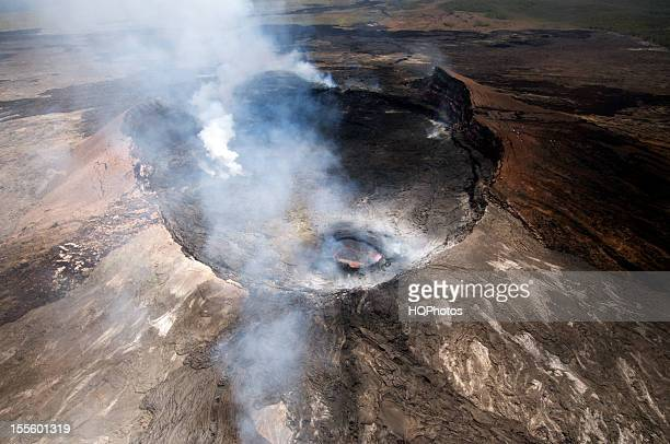 aerial view of pu'u o'o crater, june 2012 - kīlauea volcano stock photos and pictures