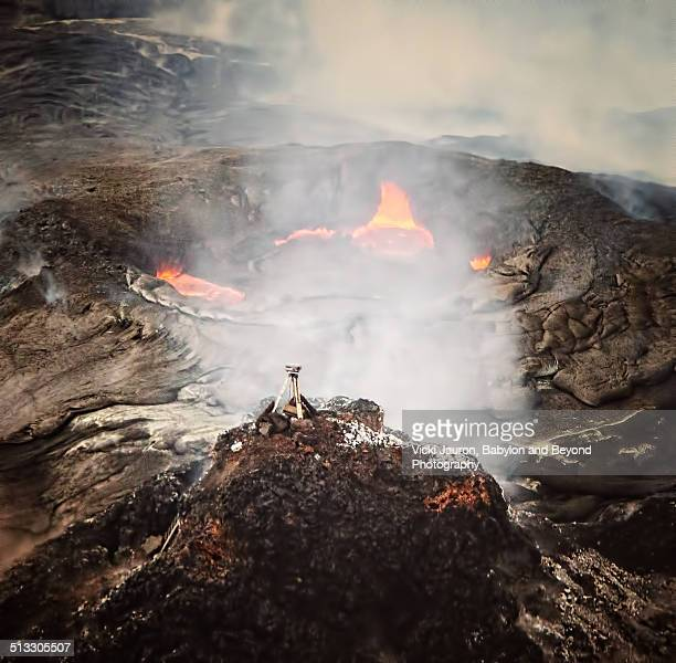 aerial view of pu'u o'o vent at volcanoes park - pu'u o'o vent stock pictures, royalty-free photos & images