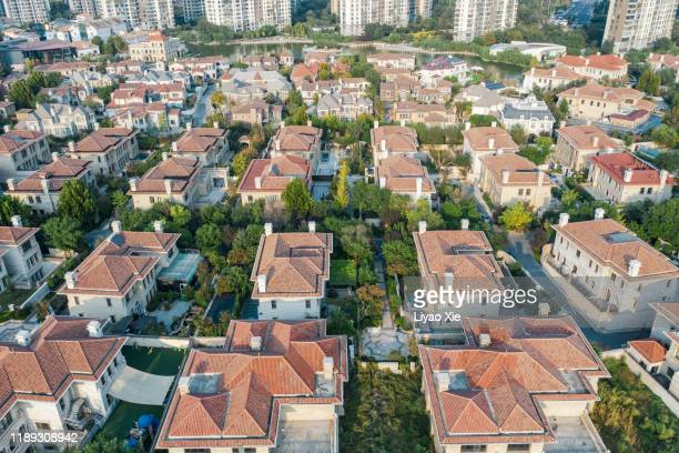 aerial view of residential district - liyao xie photos et images de collection