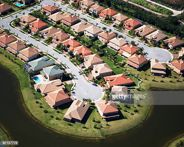 aerial view of residential housing development - cul de sac stock pictures, royalty-free photos & images