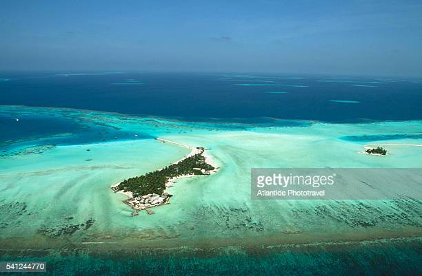 aerial view of rihiveli - male maldives stock pictures, royalty-free photos & images