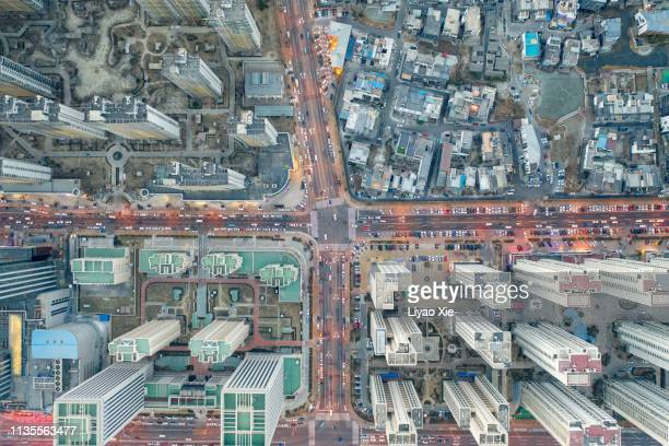 aerial view of road cross - overhead view of traffic on city street tokyo japan stock photos and pictures