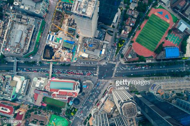 aerial view of road intersection - liyao xie imagens e fotografias de stock