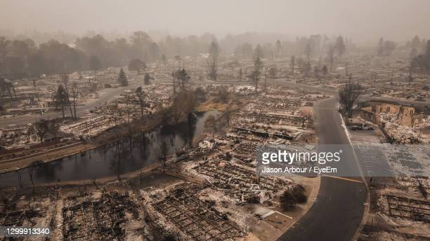 aerial view of ruined mobile home park after the almeda wildfire in southern oregon talent phoenix - forest fire stock pictures, royalty-free photos & images