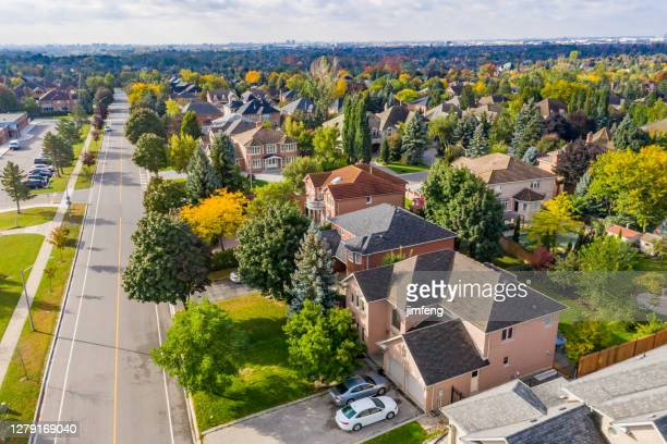 aerial view of rutherford road and islington ave., detached and duplex house at woodbridge in vaughan, ontario, canada - ontario canada stock pictures, royalty-free photos & images