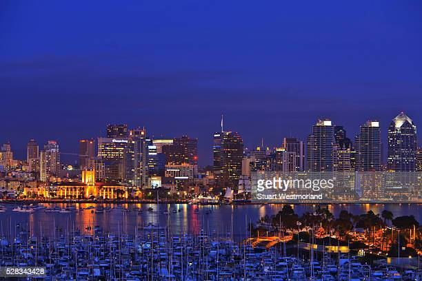 aerial view of san diego skyline with harbor island boats in the foreground; san diego california united states of america - ハーバー島 ストックフォトと画像
