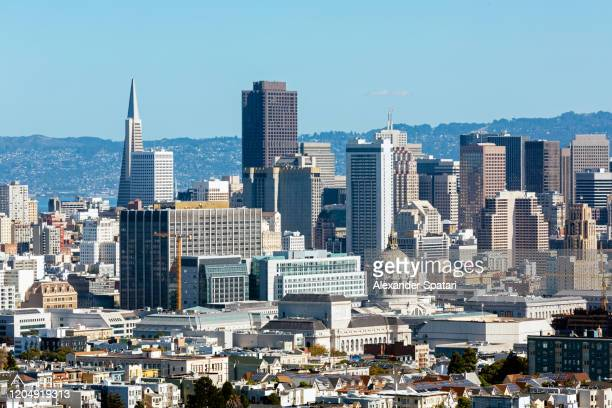 aerial view of san francisco skyline on a sunny day with clear blue sky, california, usa - サンフランシスコ金融地区 ストックフォトと画像