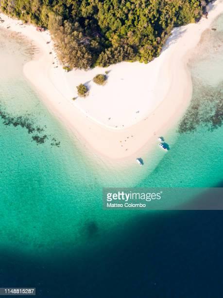 aerial view of sandy tropical beach, bamboo island, thailand - insel stock-fotos und bilder