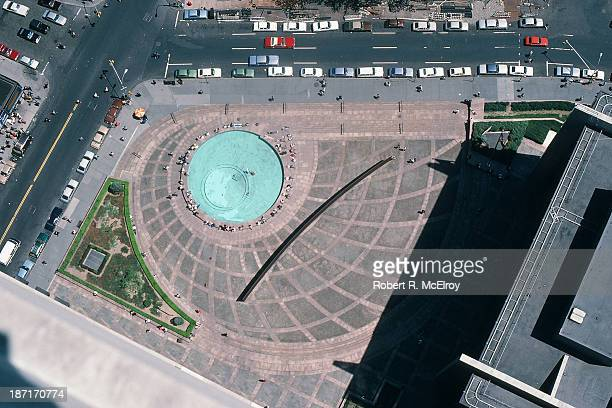 Aerial view of sculptor Richard Serra's controversial piece 'Tilted Arc', prior to its removal, at Federal Plaza, New York, May 10, 1985.