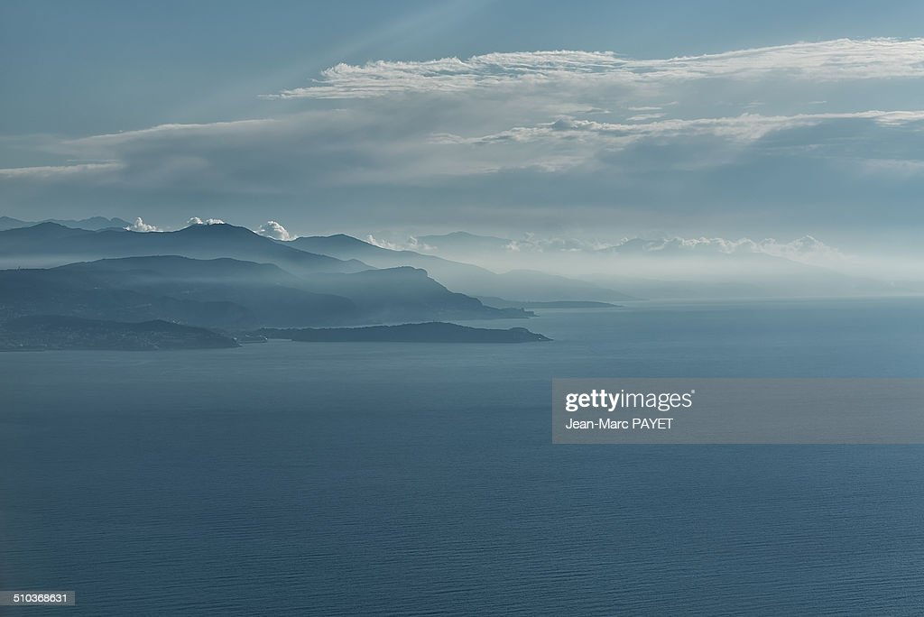 Aerial view of seascape, coast and mist : Stock-Foto