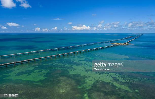 aerial view of seven mile bridge in florida keys, usa - seven mile bridge stock pictures, royalty-free photos & images