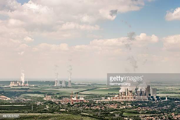 aerial view of several several power plants - ノルトラインヴェストファーレン州 ストックフォトと画像