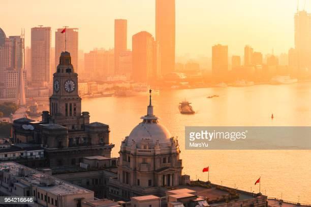 vista aérea de xangai ao nascer do sol - bund - fotografias e filmes do acervo