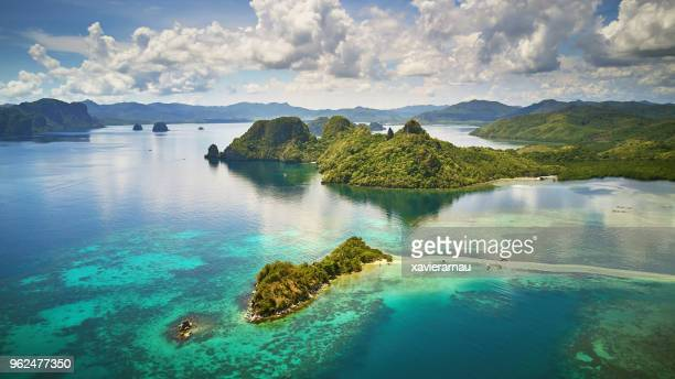 aerial view of snake island, el nido, palawan, philippines - el nido stock pictures, royalty-free photos & images