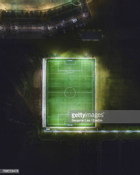 aerial view of soccer field - voetbalveld stockfoto's en -beelden
