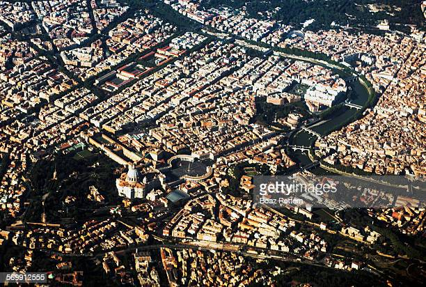 aerial view of st. peters basilica in the vatican - state of the vatican city stock pictures, royalty-free photos & images