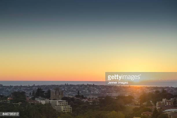 aerial view of sydney's eastern suburbs. - lever du soleil photos et images de collection